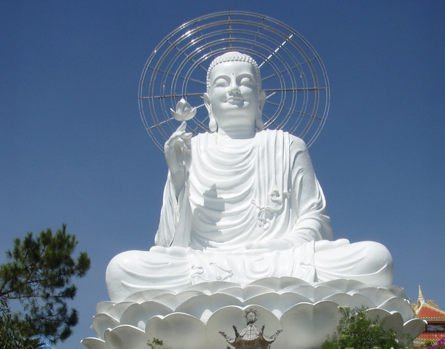 Buddha_Statue_in_Vietnam