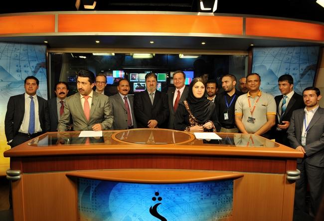 OBR: Studio v afghánském Kábulu (sešli se taklto hlavní hrdinové už během zpráv nebo až po vysílání? :o)