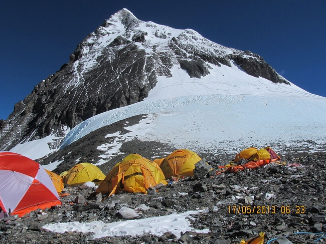 1280px-Summit_camp_Everest