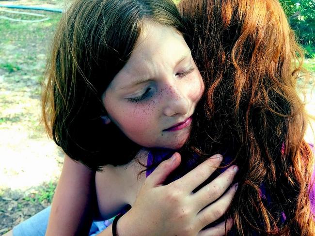 hug-1315552_960_720