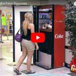 Trpaslík v automatu na limonádu (skrytá kamera)